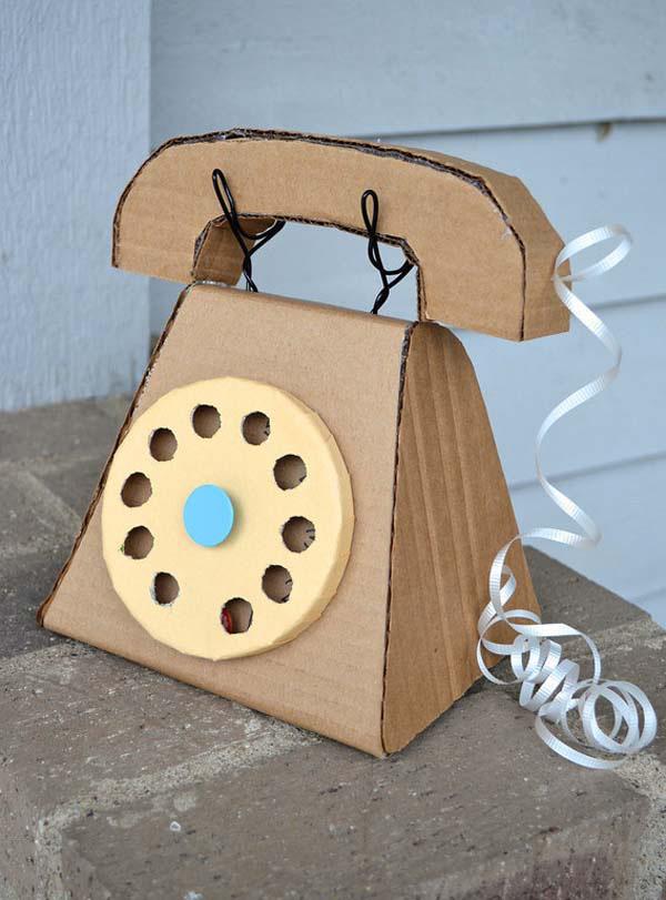 điện thoại từ thùng giấy