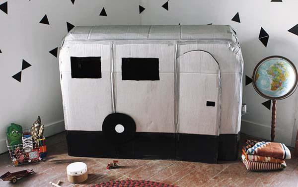 xe oto bằng thùng giấy carton